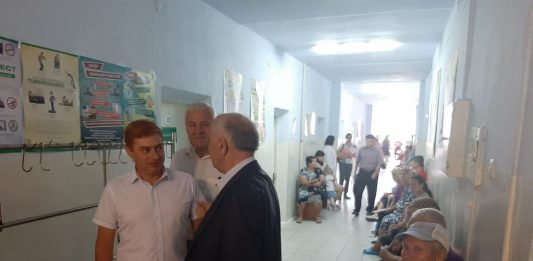 Conducerea raionului a efectuat o vizită la IMSP Spitalul Cărpineni.